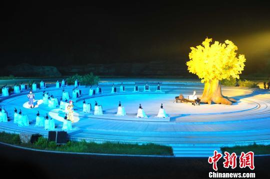 《康熙大典》第二场《天问》张桂芹摄