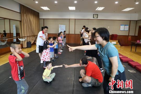 儿童戏剧图书体验日活动现场钟欣摄