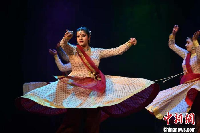 """印度古典舞云南精彩上演展现""""不可思议的印度"""""""