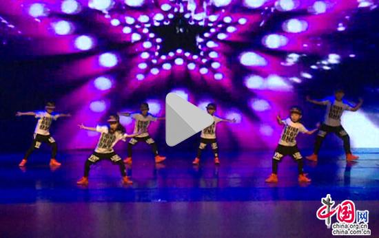 视频皮肤们的女孩青春(男孩)街舞女生透明a视频qq图片